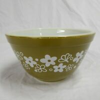 Pyrex 401 Nesting Bowl 1.5 Pint 750 ml Crazy Daisy Spring Blossom Green Vintage