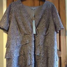 Women's Lace Boat Neck Cocktail Dresses