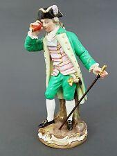 Meissen Figur Kavalier mit Fernrohr, Modell-Nr. D65, Victor Acier, Höhe 21cm
