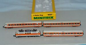 N Scale Minitrix 1027 DB 111 118-6 S-Bahn-Zug E Loco & Passenger Car Set LNIB