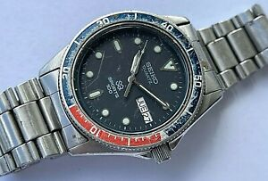 Vintage Seiko Sports 100 Pepsi day/date stainless steel mens watch, 8123-6109
