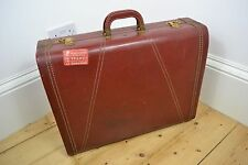 VINTAGE 1930's CHERRY RED OXBLOOD BURGUNDY ENGLISH MADE SUITCASE CASE TRAVEL BAG