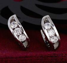 Chapado en plata, platino CZ Cristal Huggie Aro Pendientes