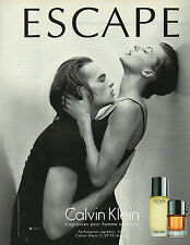 Publicité Advertising 1999  Parfum  ESCAPE de CALVIN KLEIN pour homme