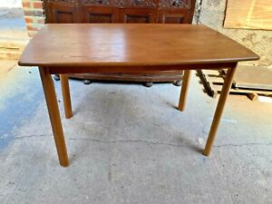 Natural Brown Wooden Kitchen Dining Table with Detachable Legs