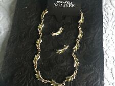 VERA WANG Necklace and earrings set