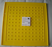 Geoboard 2 sided 11x11 pins & 24 circular pin on other side approx 27.5cm square