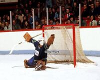 NHL 1976 Vancouver Canucks Goalie Gary Smith Glove Save Color 8 X 10 Photo Pic