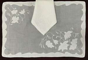 set 6 placemats wh linen/organdy w appliques+embroidery 4 matching naps+2 spares