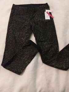 Bongo NWT size medium Reversible Skinny stretch Jeggings