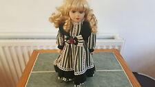 """Salco poupées de distinction """"ROSIE"""" peint à la main fine poupée de porcelaine sur socle 12"""""""