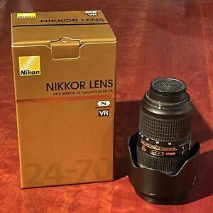 Nikon AF-S 24-70mm F2.8 E VR ED Lens (Pristine- Less than 100 shots).