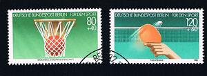 GERMANIA BERLINO BERLIN 2 FRANCOBOLLI PRO SPORT PALLACANESTRO TE. 1985 timbrato