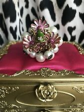 Betsey Johnson Vintage Flower Girl Pearl Frog Pink Daisy Stretch Cluster Ring