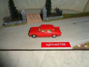 Ancien Dinky Toys 1/43  Peugeot 404 à toit ouvrant réf 536  Made in France - JLP