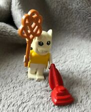 LEGO FABULAND 3704 MARJORIE MOUSE With Carpet Beater & Vacuum Cleaner 1982