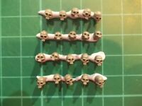 Warhammer 40K - 20 Human skulls no jaws Base decor - 40k bits