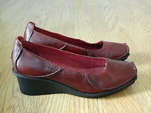 Clarks Active Air Ladies Wedge Shoes Ox Red Leather Size 7D / 40