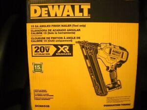 DEWALT DCN650B 20V MAX XR 15 Gauge Angled Finish Nailer new