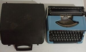 Vintage Brother Charger 11 Portable Typewriter +Case Blue Japan G53423049 Works!