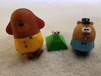 """Hey Duggee Get Fit Duggee Let/'s Go 3/"""" Figure w// Omelette Badge New 2+"""