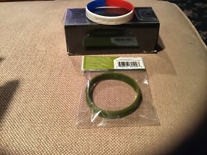 support our troops USO 7 eleven and red white Blue USA Rubber band bracelets