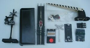 Lot of Lionel O Gauge Accessories and Track Items For Parts or Restoration