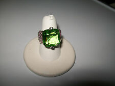 LOVELY 18CT GREEN SAPPHIRE COCKTAIL RING SIZE 6.5
