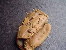 "New listing H & B Louisville Slugger C6728 12 3/4"" Leather Baseball Glovte for RH Thrower"