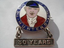 1932 HUNTERS' THE SIGN OF QUALITY 30 YEARS SERVICE SILVER PIN BADGE