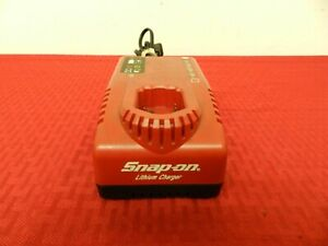 Snap-On 7.2/14.4 Volt Battery Charger   Model: CTC772