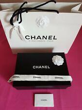 Chanel boîte vidé, sac shopping cartonné, camélias, rubans papier  30/20/10