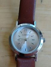 Vintage Claremont ladies watch, running with new battery no Reserve