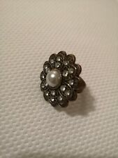 Vintage Style Statement Ring. Costume Jewellery. Pewter. Flower. Pearl. Retro.