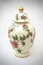 Porzellan-Antiquitäten & -Kunst als Vase mit Blüten