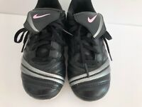 Nike Soccer Cleats Sz 13C Black Pink Kids Girls toddler Shoes Sneakers