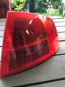 Audi A8 D3 4E  Original Heckleuchte Rückleuchte Rechts Aussen