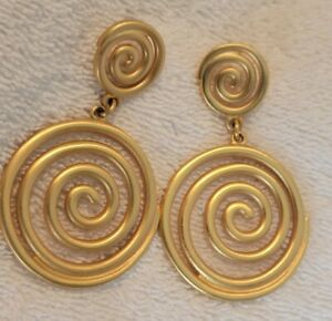 Vtg Estate Etruscan Matte Gold Plated Coil Swirl Disc Post Statement Earrings