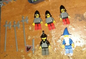 5 LEGO 1990's Castle Minifigures w/ weapons 4 Fright Knights Soldiers 1 Wizard