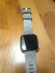 Fitbit Versa Fitness Smartwatch - Peach/Rose-Gold-Aluminium Bundle