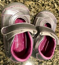 EUC Stride Rite Silver Toddler Girls Shoes Mary Janes Size 3 W.⭐️