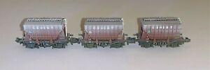 Farish (377-840) Triple Pack of 22T Presflo Wagons in BR bauxite - Weathered