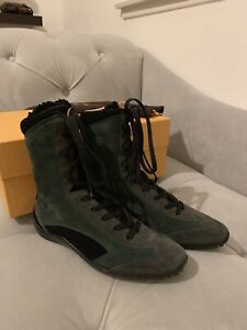 Tods (TOD'S) Shoes, Authentic Girl & Women's Suede Boots - Size EU 34.5, US 4.5