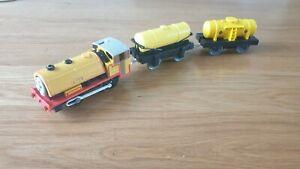 READ. 1999 Ben & Fuel Tankers Trackmaster Tomy Thomas Friends Tank Engine