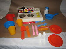 Fisher Price Fun with Food Magic Burner Stove Set 4 dishes hot dog milk plates