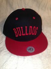 BULLDOG SNAP BACK HAT (BLACK & RED)