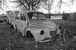 Photo Black and White, Car Antique, Renault 4CV, Poster Urbex Vintage, France