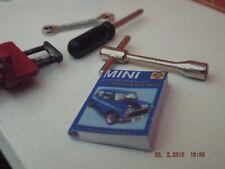 Échelle Garage/Mini Haynes Manual (aucun contenu) pas un vrai livre/rock crawler etc