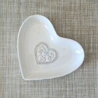 19cm Heart Shaped White Ceramic Dish Floral Detail Trinket Jewellery Bowl Plate