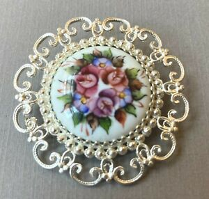 Russian Enamel Rostov Vintage Style Finift Brooch hand painted. White
